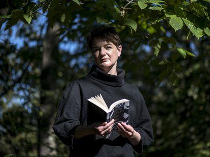 Nancy Campbell, poeta, escritora y autora del reciente ensayo 'La biblioteca de hielo', en Olot (Girona).