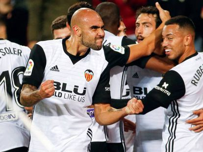 FOTO: Zaza celebra el primer gol del Valencia. / VÍDEO: Declaraciones de los entrenadores tras el partido.