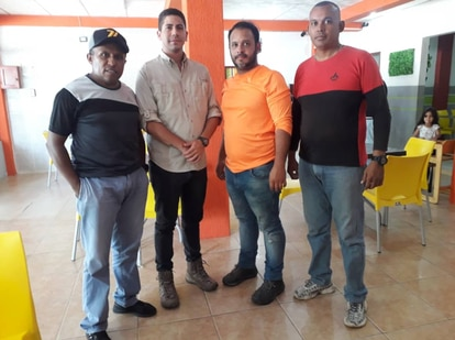 Journalists Luis Gonzalo Pérez and Rafael Hernández, along with two activists from the NGO FundaREDES, Juan Salazar and Diógenes Tirado, were arbitrarily detained by officials of the National Guard in Apure, Venezuela.