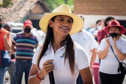 La candidata Zudikey Rodríguez, en un acto de campaña en Valle de Bravo.