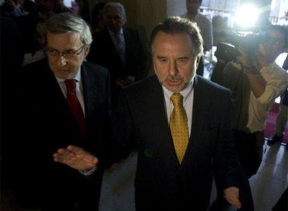 Perú y Chile dirimen el conflicto de límites en la Corte de La Haya (Holanda).