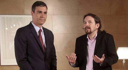 El presidente del Gobierno en funciones, Pedro Sánchez, con el líder de Unidas Podemos, Pablo Iglesias.