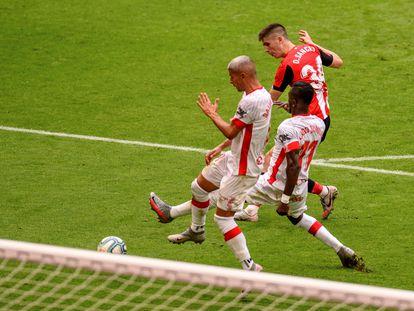 Oihan Sancet, justo antes de meter su primer gol con el Athletic en Primera División este sábado en San Mamés ante el Mallorca.