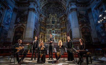 El Sollazzo Ensemble durante su actuación en la iglesia del monasterio de San Jerónimo.