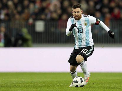 Messi, en un amistoso con Argentina contra Rusia en Moscú.