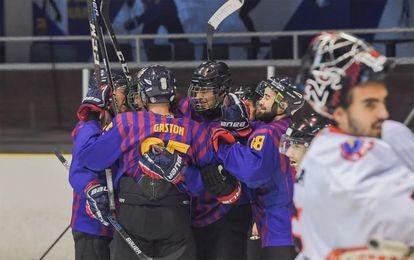 La sección de hockey hielo del FC Barcelona celera un gol contra el Majadahonda, esta temporada.