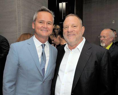 Roy Price (izquierda) y Harvey Weinstein, en Nueva York este verano.