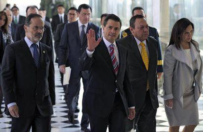 Los integrantes del Pacto por México el pasado 2 de diciembre cuando firmaron el acuerdo.