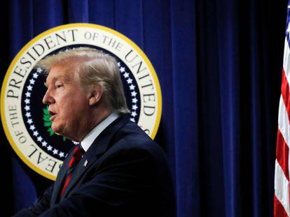 Donald Trump, en un acto en la Casa Blanca. En vídeo, el demócrata Jerry Nadler, presidente del Comité de Apropiaciones del Senado, acusa a Barr de haber manipulado el informe de Mueller hacia los intereses del presidente.