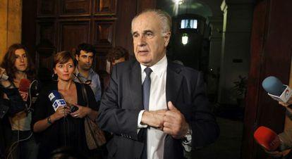 Rafael Blasco, a la salida del juzgado de Valencia tras declarar casi nueve horas.