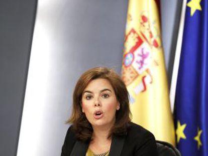 Sáenz de Santamaría, ayer, tras el Consejo de Ministros.