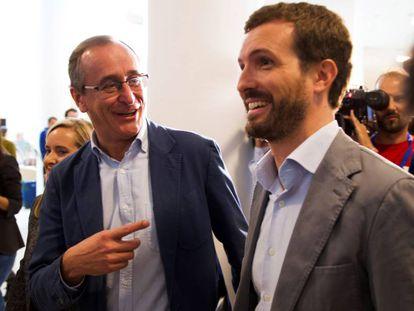 El presidente del Partido Popular, Pablo Casado, y el líder de los populares vascos, Alfonso Alonso, el pasado septiembre durante la convención del PP en la comunidad.