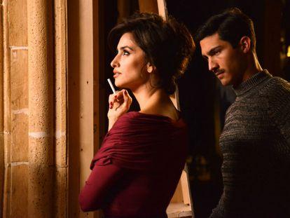 Penélope Cruz y Chino Darín, en 'La reina de España'.