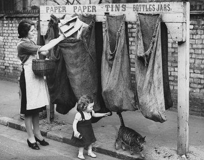 Reciclaje en Londres en 1943