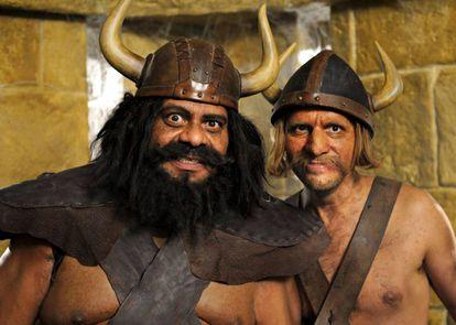 Solo los vikingos del cine, como estos de la película 'Vicky, el vikingo y el martillo de Thor', llevaban cascos con cuernos.