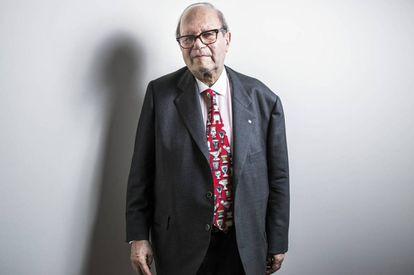 Pere Gimferrer, en la biblioteca del Hotel de las Letras, en Madrid, en una imagen de 2018.