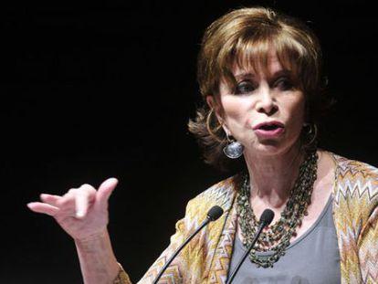 Isabel Allende, durante una conferencia en 2012.