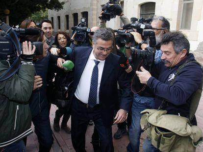 Enrique Ortiz en una de sus llegadas a los juzgados.