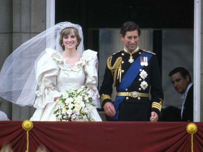 La princesa Diana y Carlos de Inglaterra, el día de su boda el 29 de julio de 1981 en Londres.