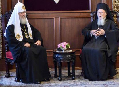 El patriarca Kiril, izquierda, y el patriarca Bartolomé reunidos el pasado 31 de agosto en Estambul.