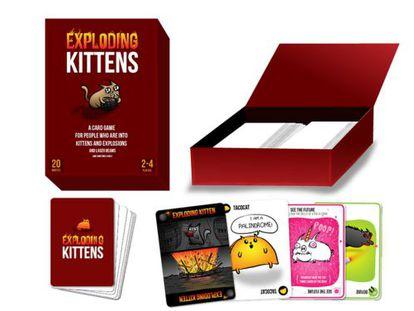 Prototipo del juego de cartas 'Exploding Kittens'.