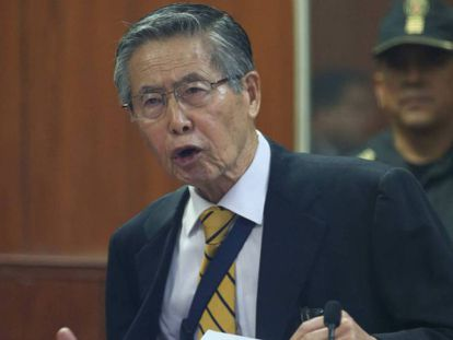 El expresidente peruano Alberto Fujimori en 2015. En vídeo, el traslado de Fujimori de prisión al hospital.