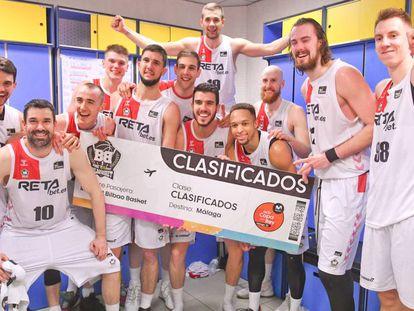 Los jugadores del Bilbao Basket celebran su clasificación para la Copa