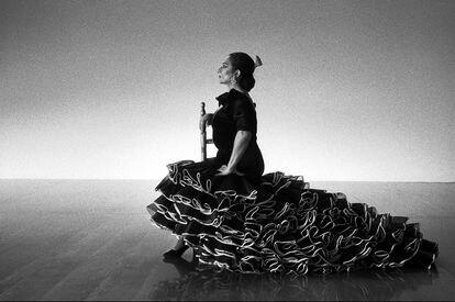 Lola Flores, fotografiada por el director de cine Carlos Saura.