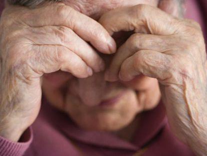 Una anciana maltratada.