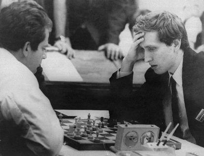 En 1970, dos años antes de derrotar a Spassky en Reikiavik y convertirse en Campeón del Mundo, Bobby Fischer cayó ante el mismo rival en Siegen.
