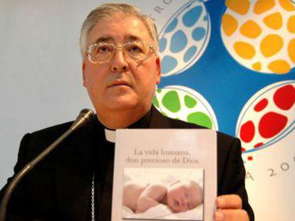 José Antonio Reig Plà, en el V Encuentro Mundial de la Familia de 2006.