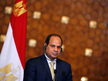 """Al Sisi durante una reciente conferencia de prensa con el """"premier"""" griego Alexis Tsipras"""