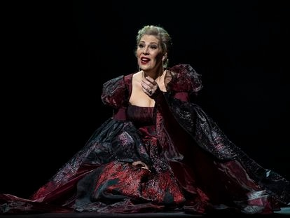 La soprano Sondra Radvanovsky en el Liceo, durante su actuación de la Trilogía Tudor, de Donizetti.