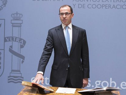 Camilo Villarino, durante su toma de posesión como director del gabinete del ministro de Asuntos Exteriores, en julio de 2017, con Alfonso Dastis como ministro de Exteriores.