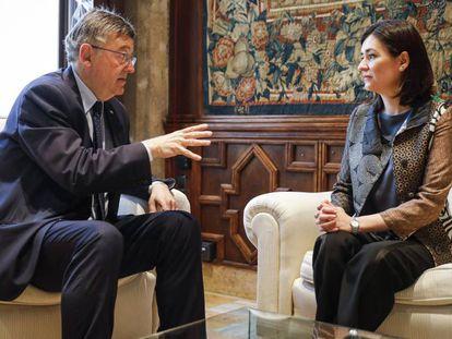 La ministra de Sanidad, Carmen Montón, durante su reunión con el presidente de la Generalitat, Ximo Puig.
