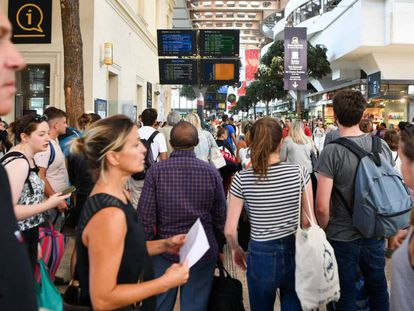 Pasajeros en la estación de Saint Charles, en Marsella, el pasado 20 de agosto.