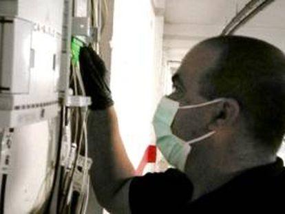 Paco Muñoz, instalador de fibra óptica de AVATEL.