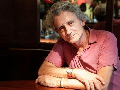 """Entrevista con Antonio Gasset, crítico de cine y expresentador de """"Días de cine"""", en el restaurante Piú di Prima de Madrid. Bernardo Pérez 08/09/2011"""