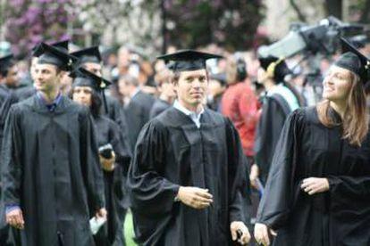 Iñaki Berenguer durante su graduación en el MIT.