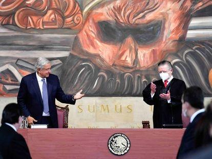 Andrés Manuel López Obrador, presidente de México, en un acto con el ministro presidente de la Suprema Corte, Arturo Zaldívar.