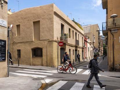 Viviendas de la calle de Igualada de Barcelona que el plan urbanístico de Gràcia prevé expropiar.
