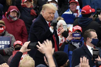 El presidente de Estados Unidos, Donald Trump, en un mitin de campaña en Oakland este viernes.