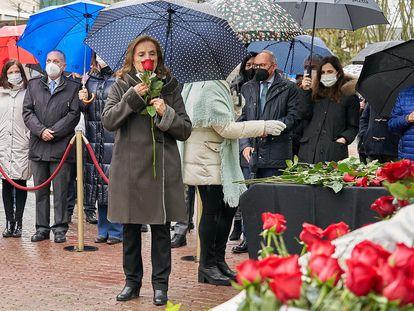 Natividad Rodríguez, viuda de Fernando Buesa, asesinado por ETA hace 21 años junto a su escolta Jorge Díez, en el homenaje celebrado en Vitoria.