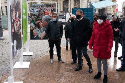 Arnaldo Otegi y Maddalen Iriarte participan en Vitoria en un acto con motivo del décimo aniversario de EH Bildu, en marzo.
