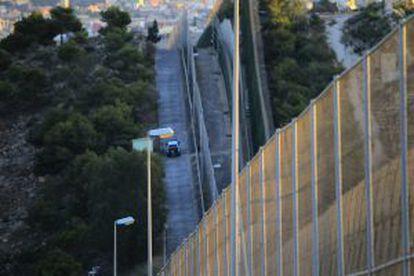 Imagen de la verja que separa Melilla de Marruecos.