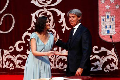 Isabel Díaz Ayuso y Ángel Garrido, durante la toma de posesión del Gobierno.