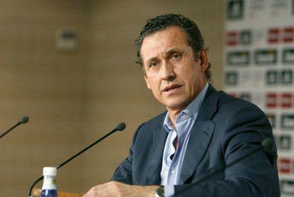 Jorge Valdano durante la rueda de prensa posterior a su destitución como director general deportivo del Real Madrid.