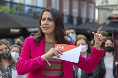 Inés Arrimadas, en un acto en la plaza de Chueca.