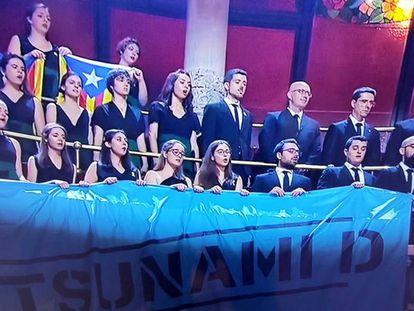 Pancarta de Tsunami Democràtic en el concierto de San Esteban este jueves en el Palau de la Música.