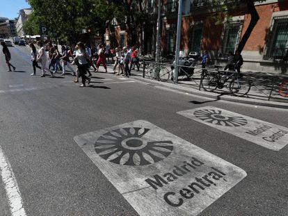 La Carrera de San Jerónimo, una vez en marcha el área restringida de Madrid Central.